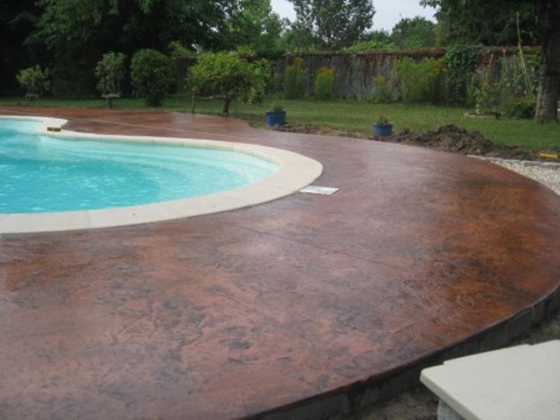B ton et r sine le sp cialiste du b ton et de la r sine for Resine pour piscine beton